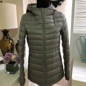 Uniqlo ultralight down jacket with hood
